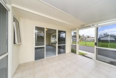 LOVELY TOWNHOUSE IN PREMIUM LOCATION